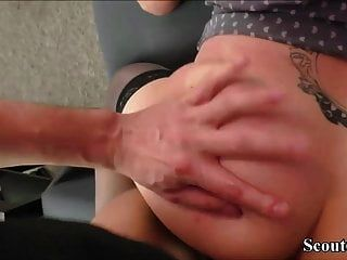 زوجين في سن المراهقة الألمانية اللعنة كيمبرلي أثناء مشاهدة الاباحية الخاصة
