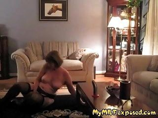 جبهة مورو يتعرض زوجات مثير تظهر أجسادهم الساخنة