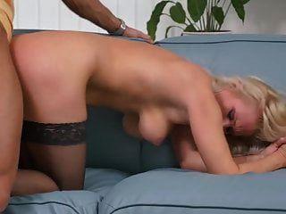 الجنس المحرمات مع الامهات الناضجة الجميلة وأولاده