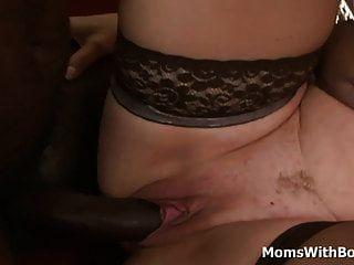 الجدة شقراء ليلى يحصل الشرج مارس الجنس من قبل بي بي سي