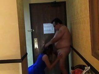 توصيل البيتزا في الفندق