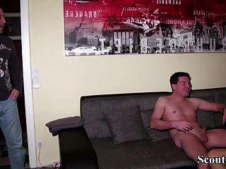 زوج ألماني اشتعلت مع صبي صغير والانضمام إلى 3some