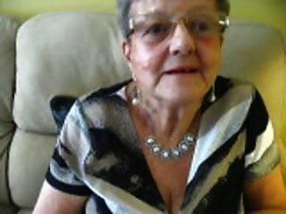 الجدة 80 عاما - Xalabahia.com